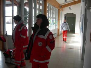 Schulbesuch: Rettungshundestaffel besucht Klasse 2b der Landgraf-Ulrich-Schule in Pfreimd
