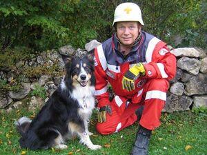 Die Rettungshundestaffel vom BRK Regensburg ist wieder für Trümmereinsätze gewappnet